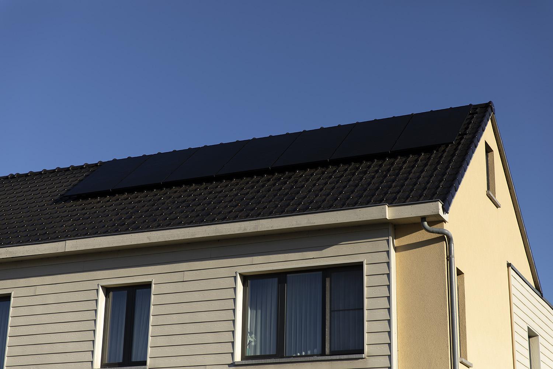 zonnepanelen hellend dak Limburg